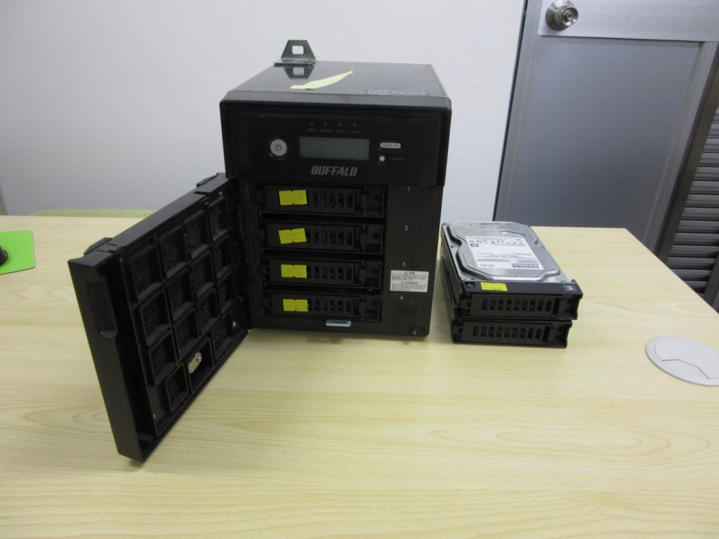 Buffalo TSXE4.0TL/R5 HDD交換後にRAID崩壊
